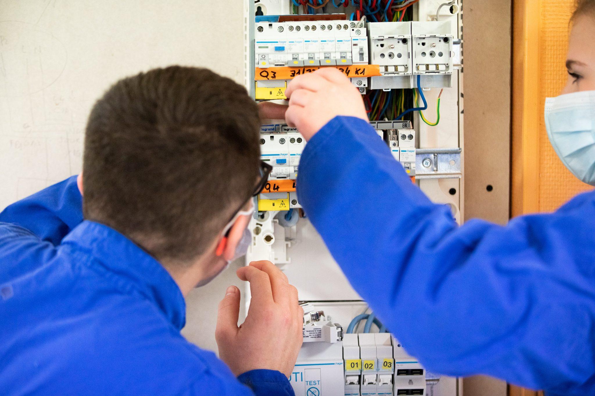 formation électricien st Michel en Bretagne à Priziac