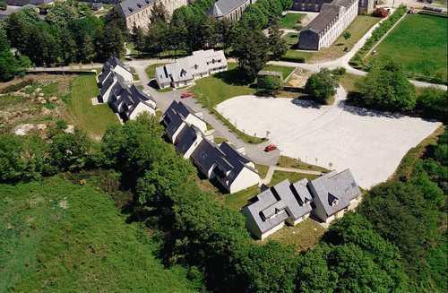 St Michel - Village 2